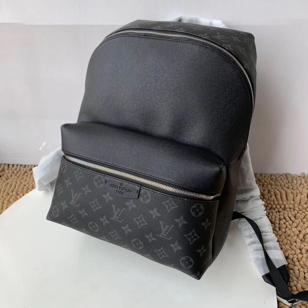 Louis vuitton original Discovery knapsack M30230 black