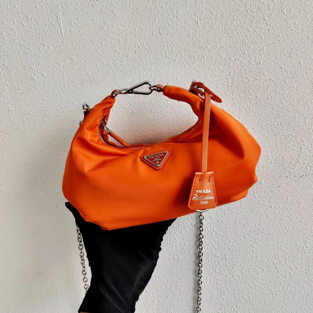 Prada Re-Edition 2005 nylon shoulder bag 1BH172 orange