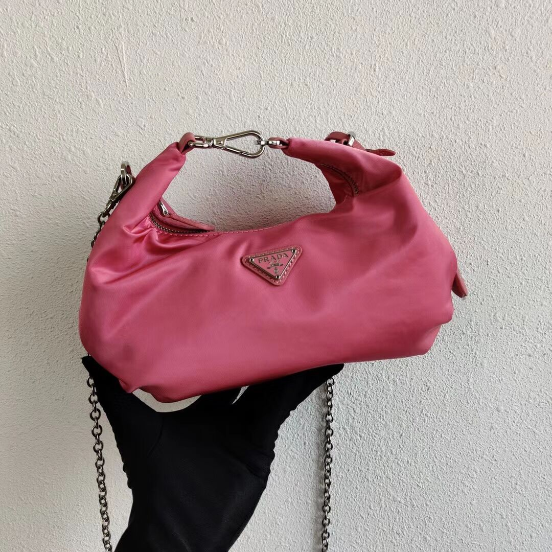 Prada Re-Edition 2005 nylon shoulder bag 1BH172 pink