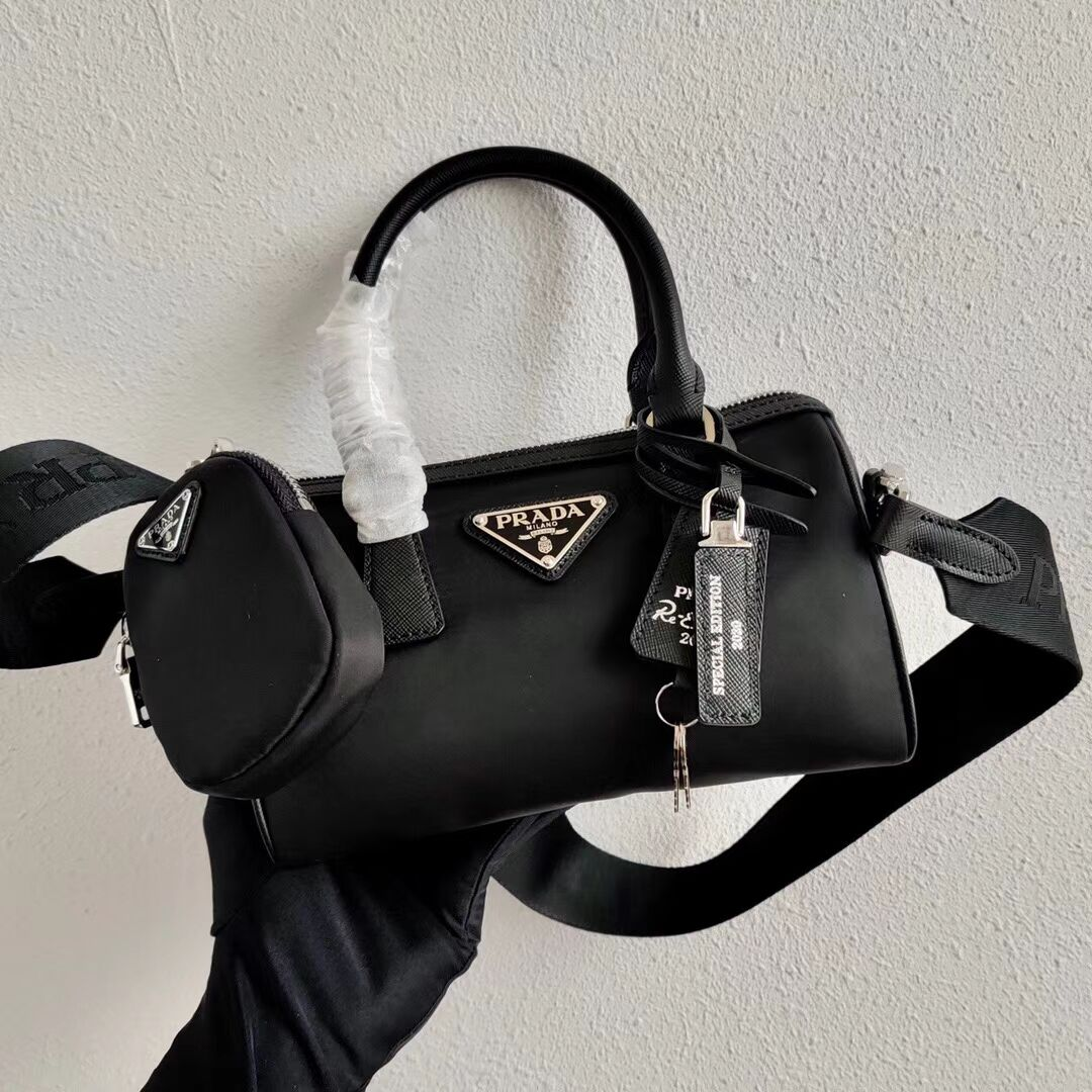 Prada Re-Edition 2005 top-handle bag 1PR846 black