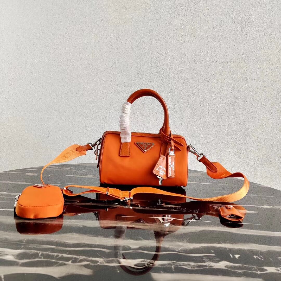 Prada Re-Edition 2005 top-handle bag 1PR846 orange