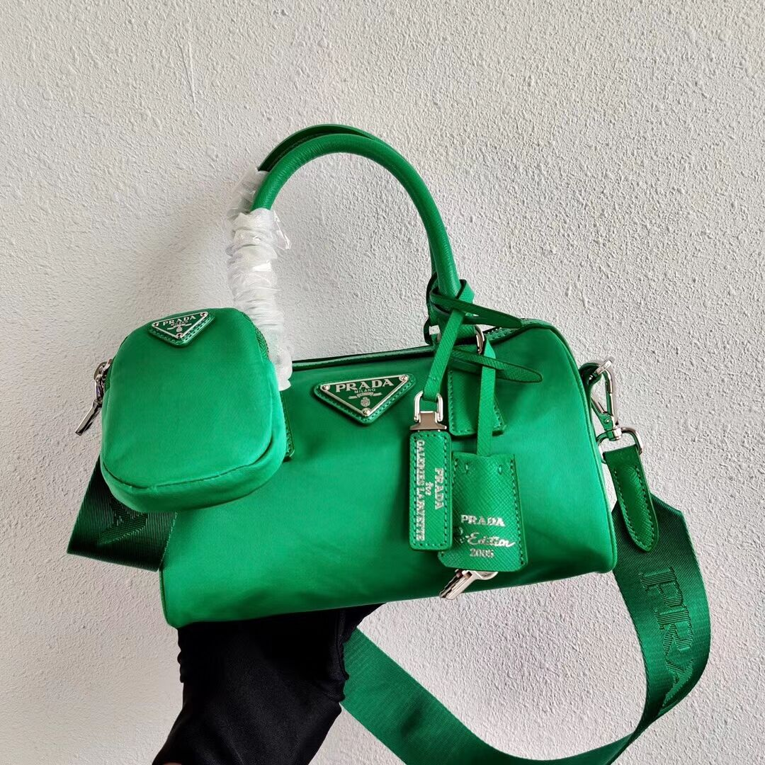 Prada Re-Edition 2005 top-handle bag 1PR846 green